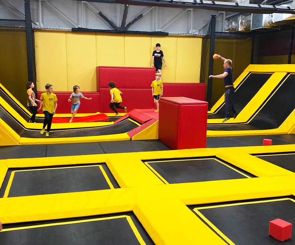Parkour atrakce v Jump and kids aréně Tábor u Sezimova Ústí